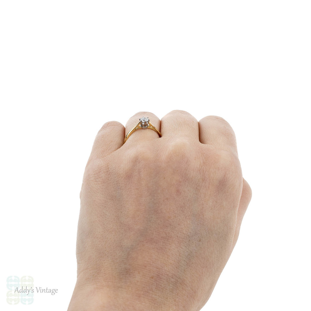 Diamond Solitaire Engagement Ring, 0.27 ct. Classic 18ct Yellow Gold Single Stone.
