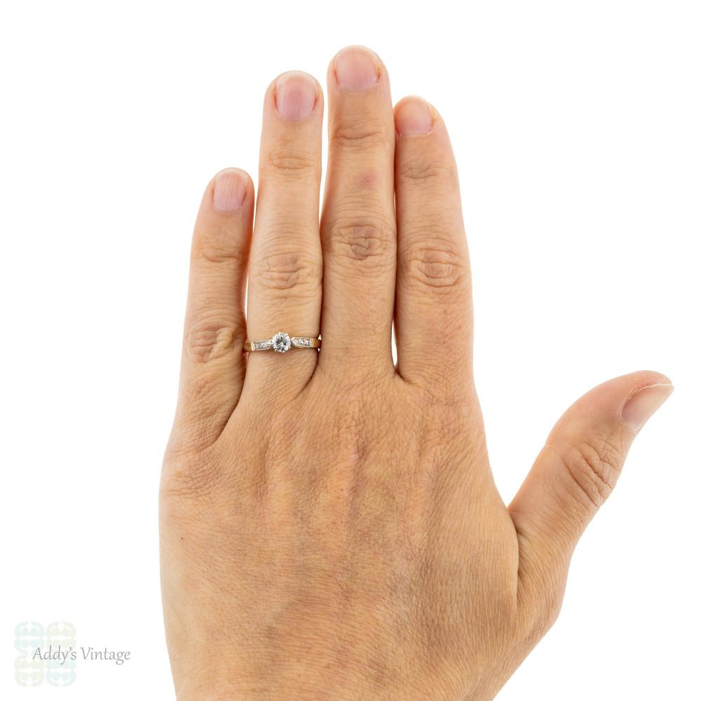 Vintage Diamond Engagement Ring, Single Stone in 18ct & Platinum Diamond Mount.