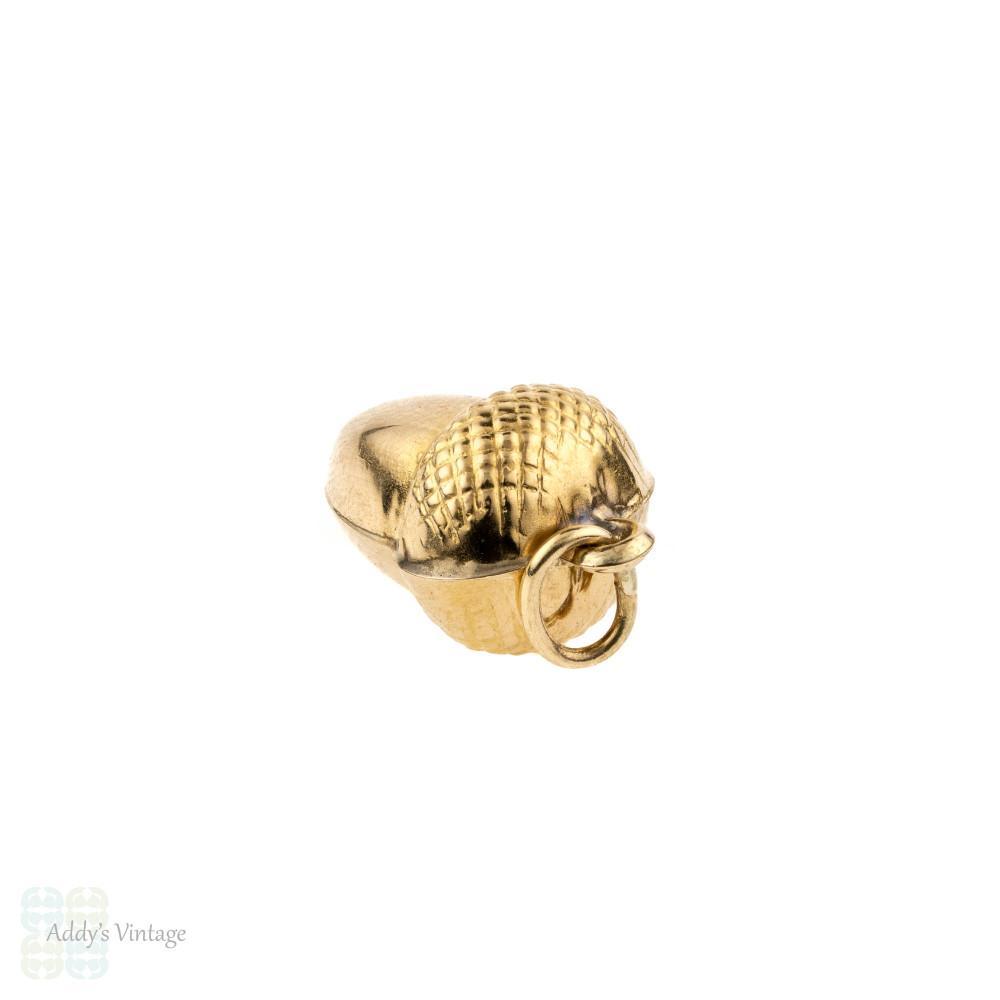 Acorn 9ct 9k Yellow Gold Pendant. Vintage Puffed Acorn Charm, Circa 1970s.