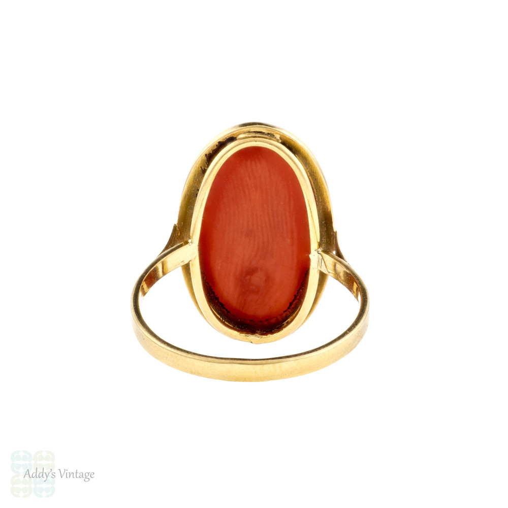 Coral 18k Yellow Gold Ring, Vintage Large Oval Bezel Set 18ct Ring.
