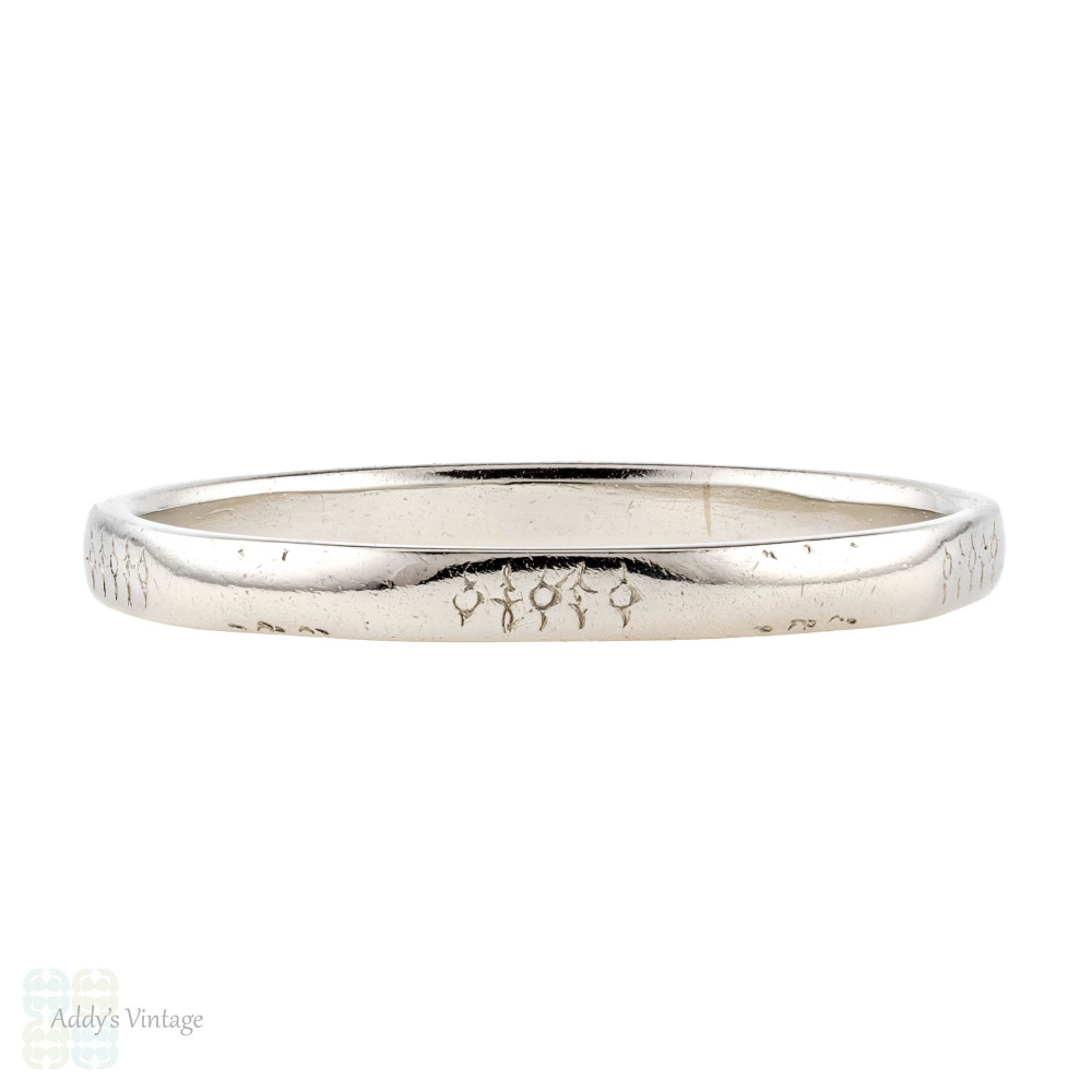 Platinum Faceted Wedding Band, Engraved Vintage 1940s Narrow Ring. Size O / 7.25.