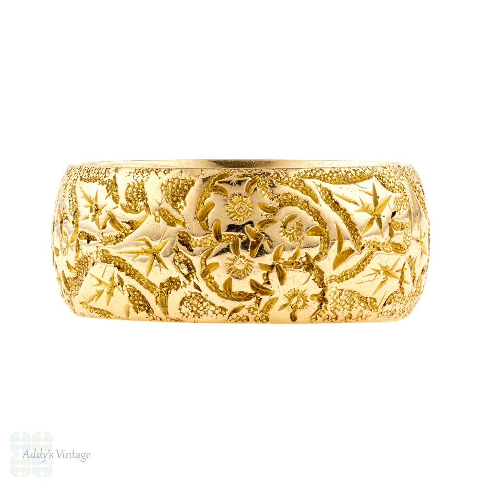 Wide Engraved 18ct Wedding Band, Antique Victorian 18k Yellow Gold Ring. Size P / 7.75.