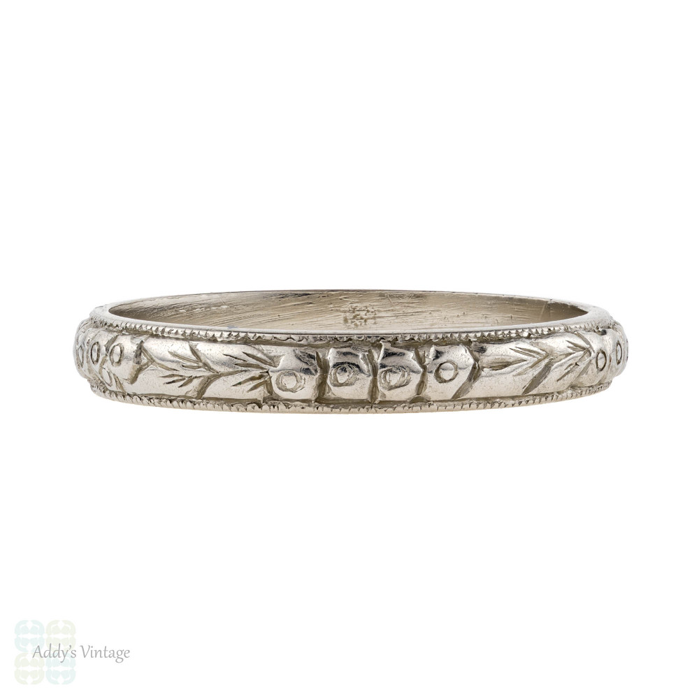 1920s Platinum Engraved Wedding Ring, Art Deco Flower Pattern Ladies Band. Size J / 4.75