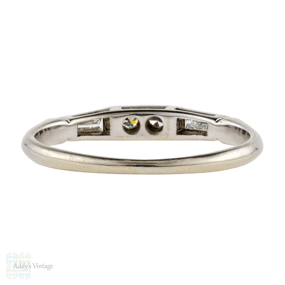 Tapered Baguette & Round Diamond Wedding Ring, 18k 18ct White Gold Vintage Mid 20th Band.