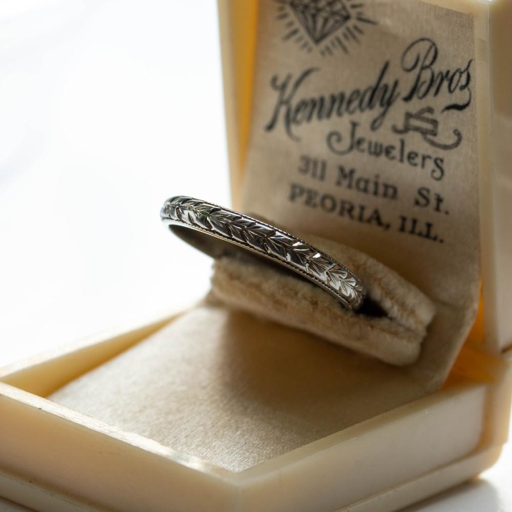 Art Deco Engraved Wedding Ring. Wreath Pattern Ladies Band. Circa 1920s, Size K.75 / 5.5.