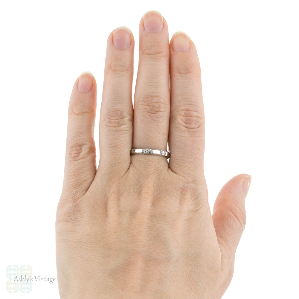 Engraved Art Deco Men's Platinum Wedding Ring, Vintage Flower 1930s Band. Size V.5 / 10.75.