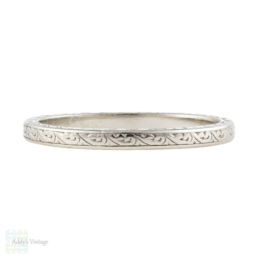 Engraved Platinum Wedding Ring, Art Deco Scroll Design Pattern. Size Q.5 / 8.75.