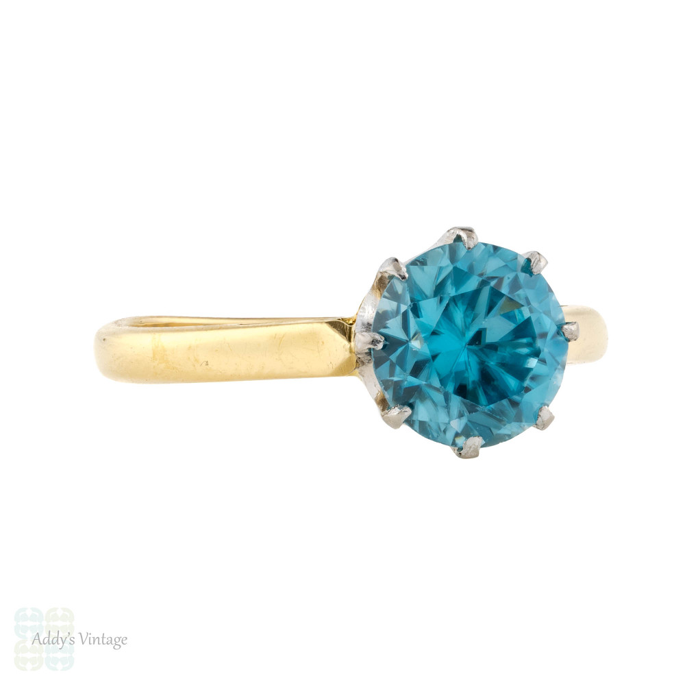 Blue Zircon Solitaire Ring, 18ct 18kYellow Gold 1960s Single Stone Ring.