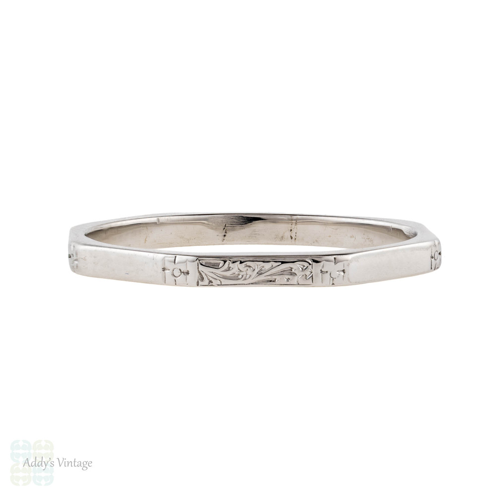 1930s Floral Engraved Wedding Ring, 18ct 18k White Gold Faceted Band. Size R.5 / 8.75.