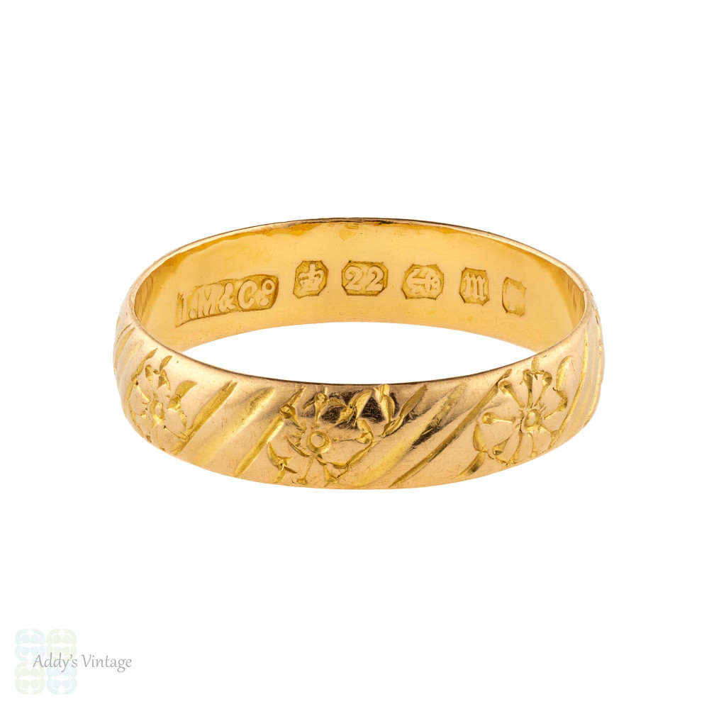 Victorian 22ct Gold Engraved Wedding Band, Antique Wide Flower Pattern 22k Ring. Size P / 7.75.