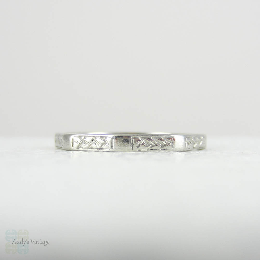 Engraved Vintage 1940s Narrow Ring Size O  7.25. Platinum Faceted Wedding Band