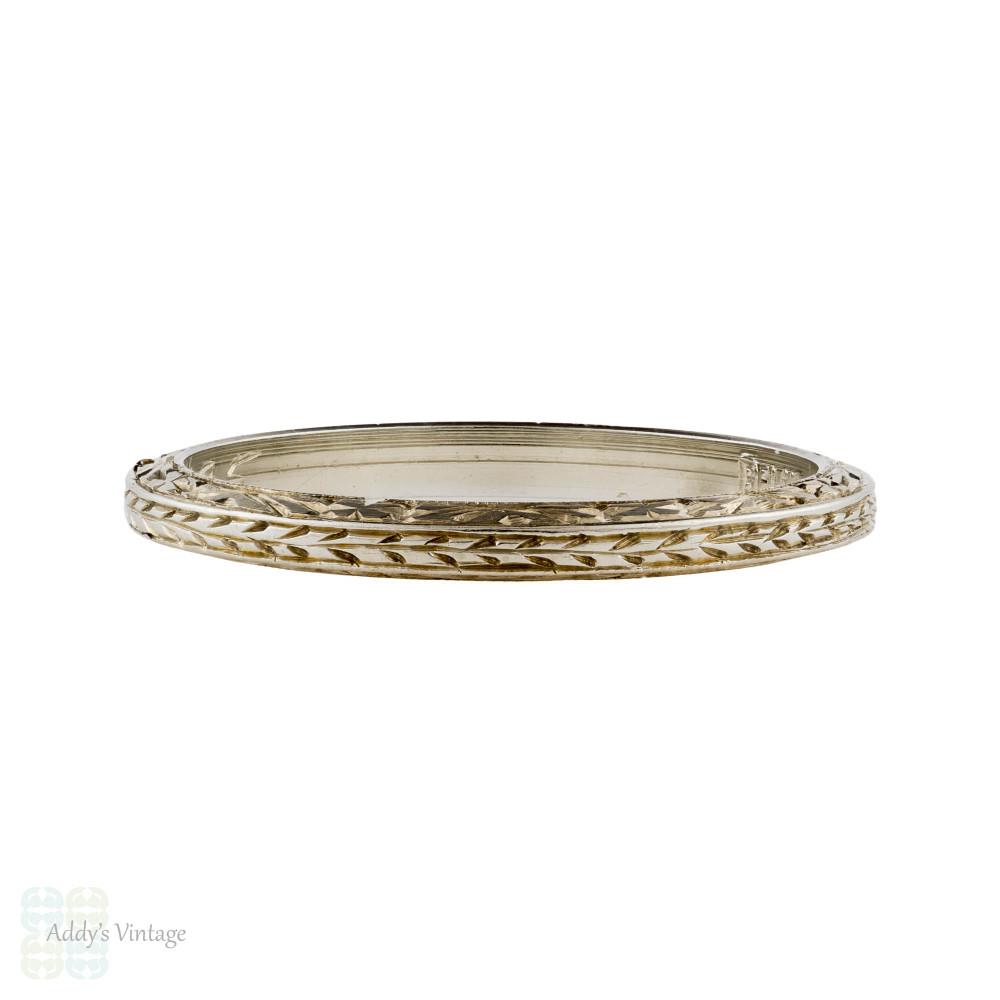 1920s  Engraved Ladies Wedding Ring, Wreath Engraved Belais 18ct 18k Band. Size L / 5.75.