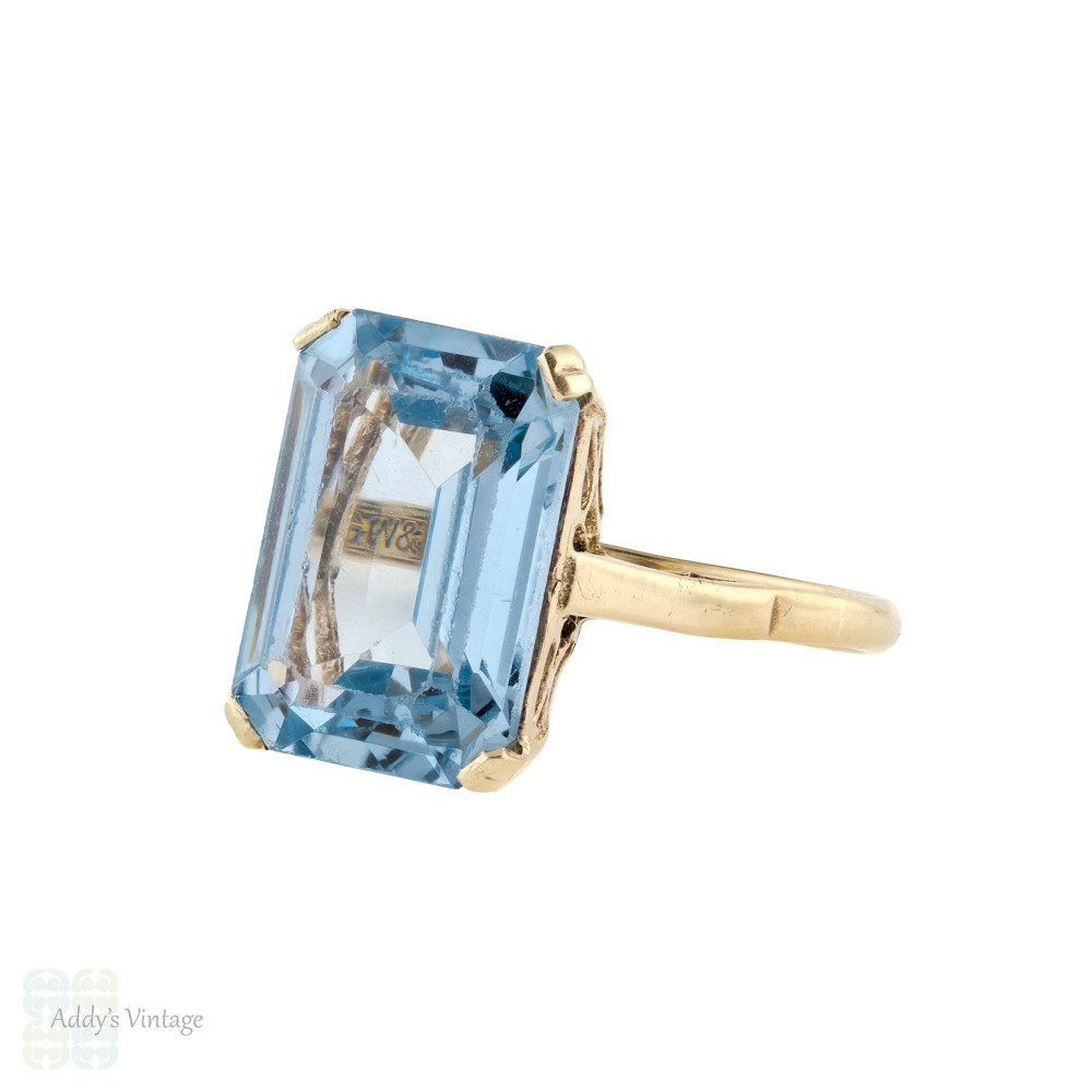 Large 1960s Lab Created Spinel Cocktail Ring, Emerald Cut Gemstone, 9ct 9k Yellow Gold.