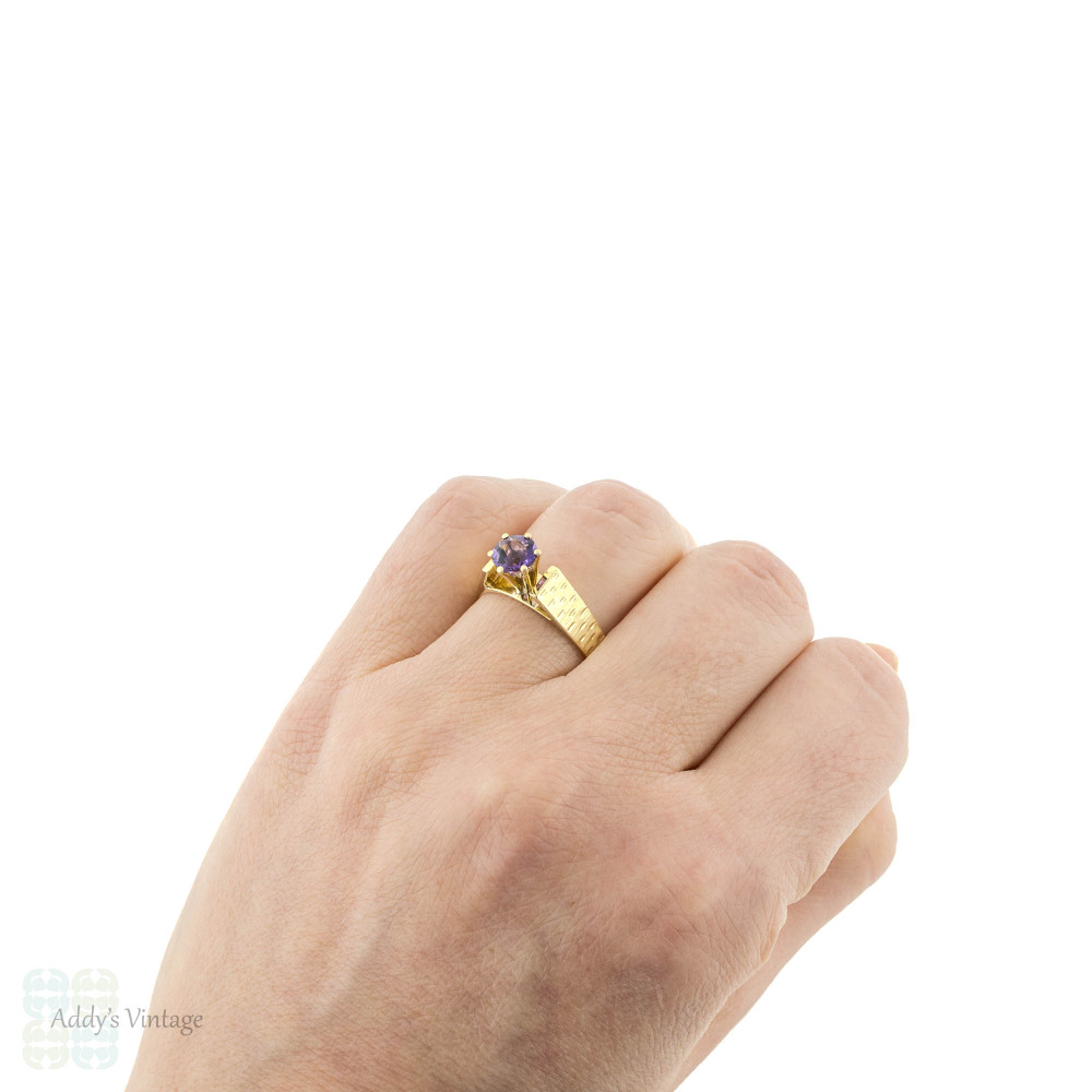 Amethyst Single Stone 18ct Yellow Gold Ring, Mid 20th Century Bark Textured 18k Band.