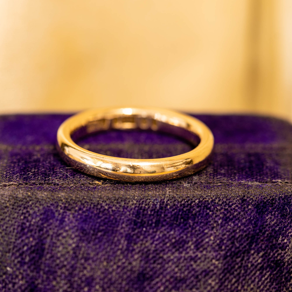 Art Deco 9ct 9k Gold Ladies Wedding Ring, Simple 1930s Band Size J.75 / 5.25.