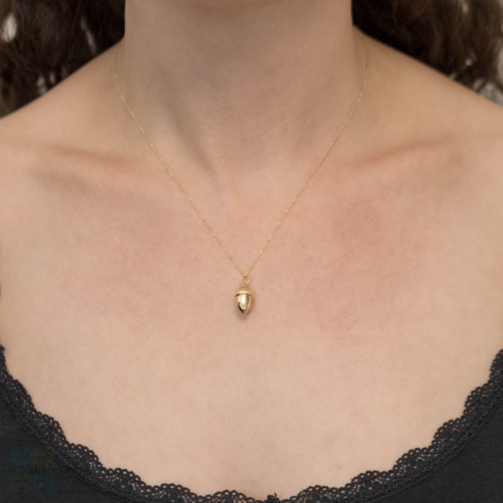 Acorn 18ct Yellow Gold Puffed Pendant, Small 18k Acorn Charm.