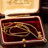 9ct Yellow Gold Box Link Chain, Vintage 1970s Hallmark 41 cm / 16 inches.