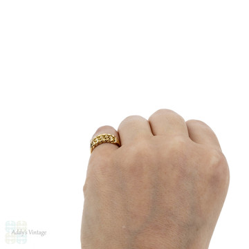 Antique 18ct Keeper Ring, Ladies 18k Gold Wide Braided Knot Ring. Circa 1900.