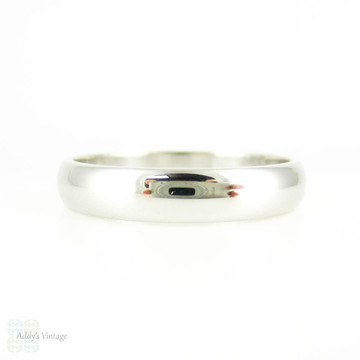 Men's Platinum Wedding Ring. Classic 4 mm D Profile Men's Wedding Band. Size T.75 / 10.