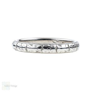 Antique Platinum Engraved Wedding Ring, 1910s Flower Pattern Ladies Band. Size J / 5.