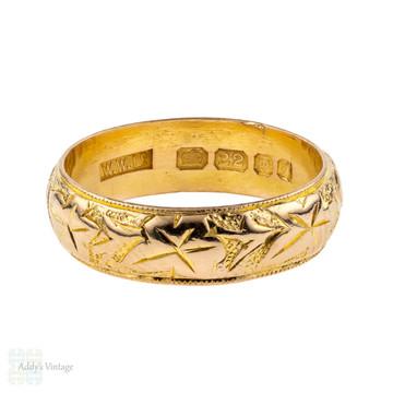 Vintage 22ct Engraved Ivy Leaf Wedding Band, 22k Wide 1960s Ring. Size P / 7.75.