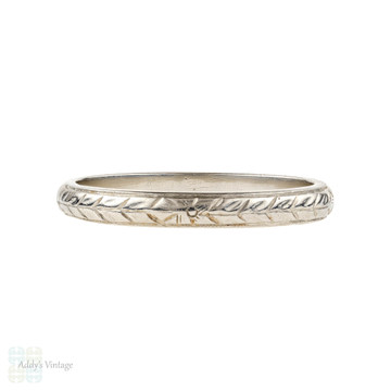Engraved Platinum Art Deco Wedding Ring, Floral Pattern Ladies Band. Size K.5 / 5.5.