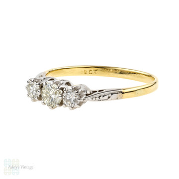 Diamond Three Stone Engagement Ring, Vintage 0.46 ctw 1940s Ring. 18ct Gold.