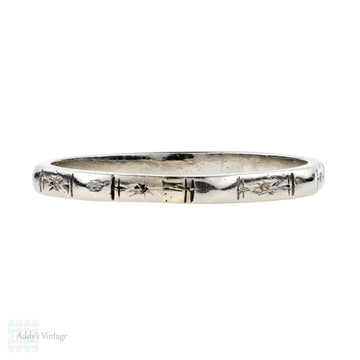 Vintage Platinum Wedding Ring, 1940s Faceted Ladies Narrow Band. Size O.5 / 7.5.