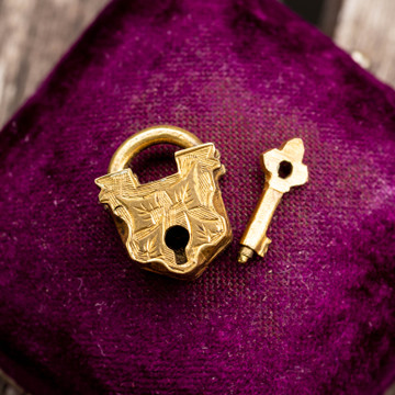 Antique Ivy Engraved Working Lock & Key, Victorian Era.