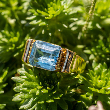 Retro Blue Synthetic Spinel Chunky 18ct 18k Yellow Gold 1940s Ribbon Ring.