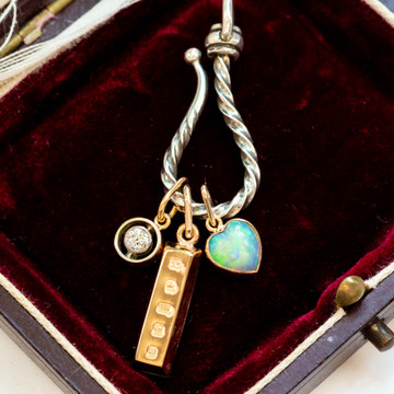 Miniature 9ct Yellow Gold Ingot Charm Pendant, 9k 1979 English Hallmarks.