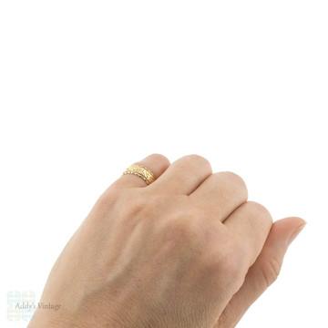 Wide 18ct Ivy Leaf Wedding Ring, Victorian Ladies 18k Gold Band, Size K / 5.25.