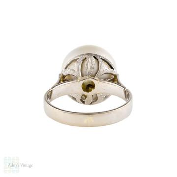 Vintage Cultured Pearl Cocktail Ring, 18ct 18k White Gold Engraved Leaf Setting.