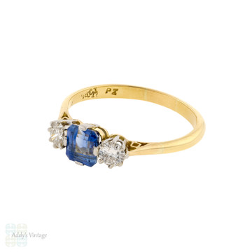 Sapphire & Diamond Three Stone Engagement Ring, Circa 1930s, 18ct Gold & Platinum.