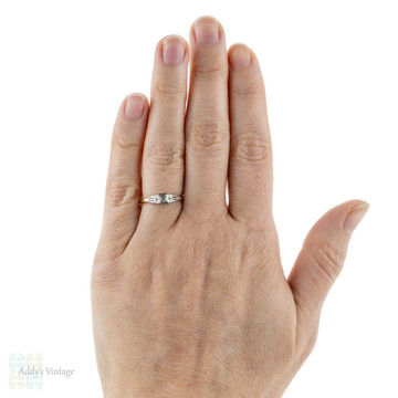 Vintage Diamond Engagement Ring, 1940s Solitiare with Engraved Setting, 18ct & Platinum.