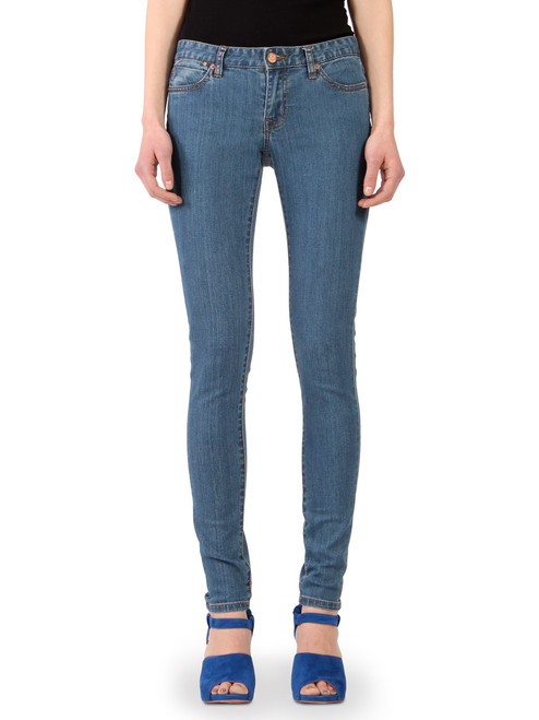 Women's skinny jeans in Janet medium blue stone wash.