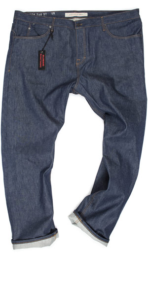 Straight fit guide for size 50 jeans in selvedge raw denim