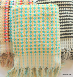 Extra Large 100% cotton hand loomed towel. Machine wash. Colour Fast. Made in Turkey.