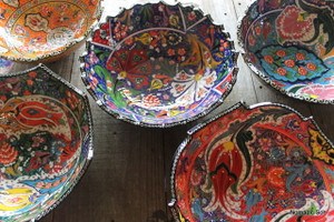 Wavy Kabartma 30cm - Handmade and hand painted Bowls from Turkey.