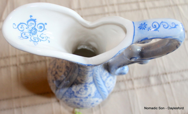 Samur classic 'Lions' jug - medium