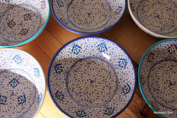 20cm Ceramic bowl, handmade and hand painted in Turkey. Food safe.  Hand wash.
