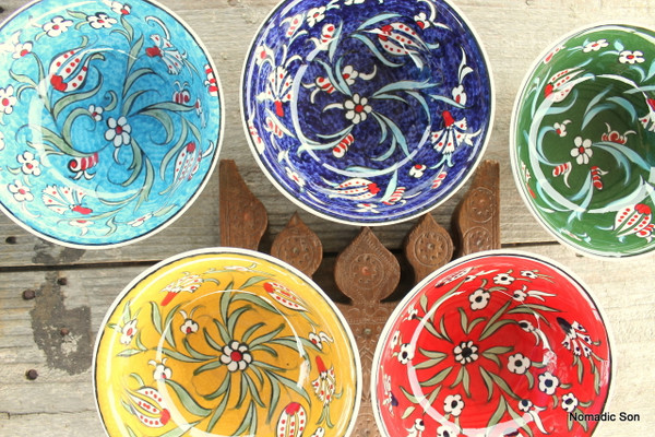 Gorgeous colours in the Soloman range in a lipped soup bowl.  Handmade and hand painted in Turkey in traditional Ottoman  Century design with tulips and carnations.