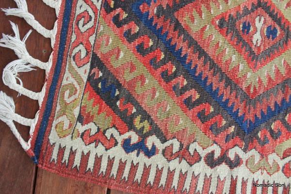 Fethiye Slitweave kilim (#J69) 71*80cm (+ tassels)