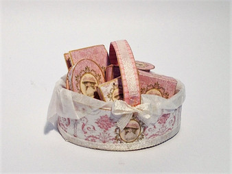 Download - Pink Lady Toiletry Basket