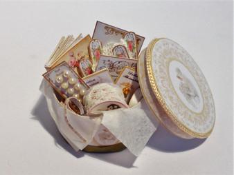 Kit - 1/12th dollhouse wedding/bridal hat/keepsake box & haberdashery-Vintage
