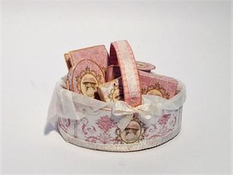 Kit - Pink Lady Toiletry Basket