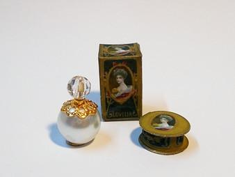 KIT - Lovelia Bottle & Box plus powder puff box