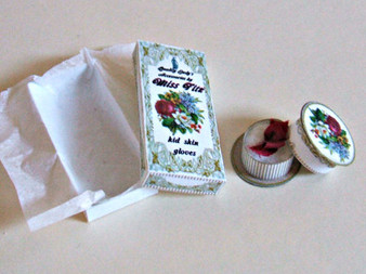 Kit - Glove Box & powder Puff