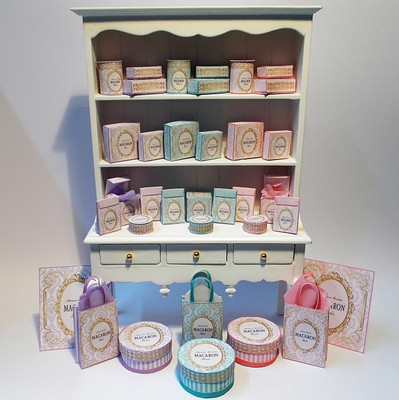 New confectionery boxes in 3 colours