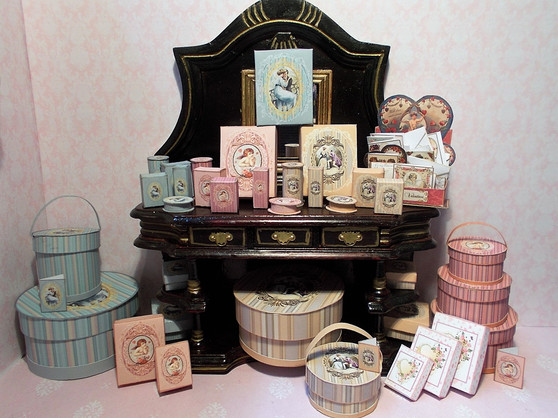 Download - Romantic perfume/toiletry/presentation Boxes Blue